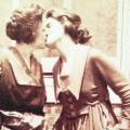 1920s-kiss-from-becomming-visible