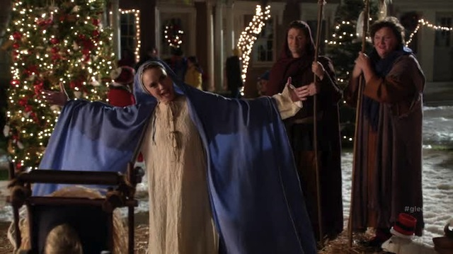 Glee Episode 508 Recap: Previously Unaired Christmas Gets A Little Too Much Air | Autostraddle