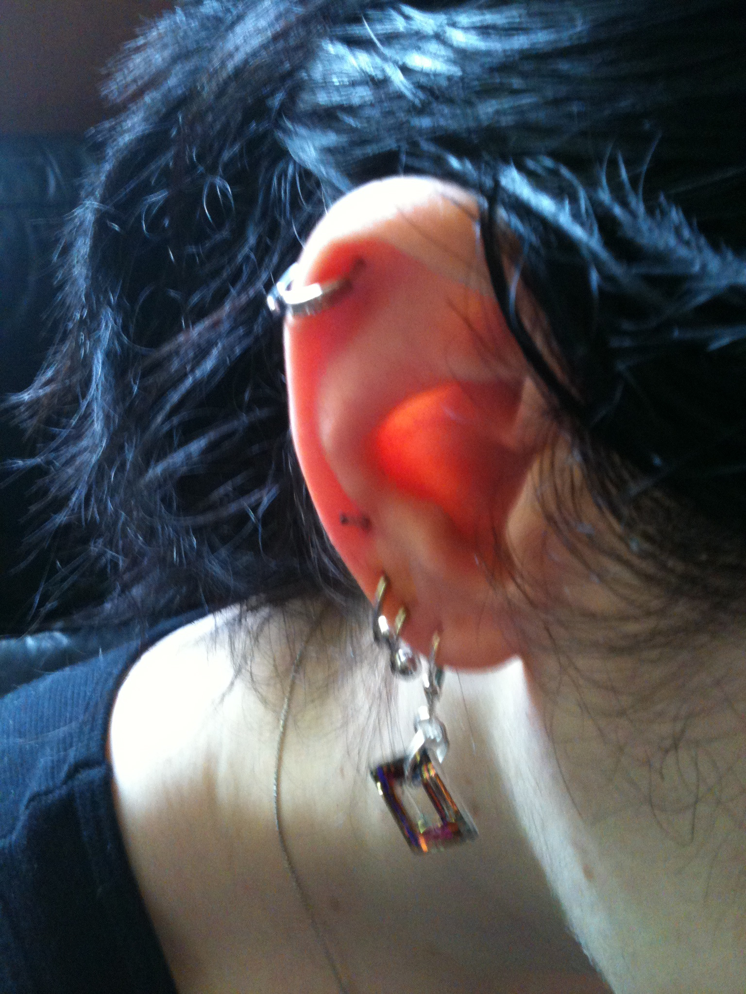 Can i use hydrogen peroxide to clean my cartilage piercing