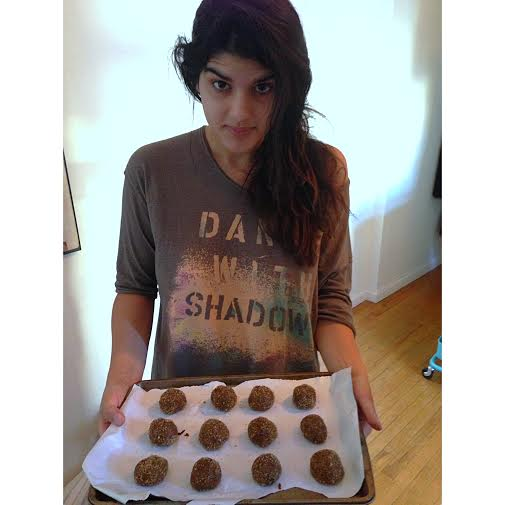 side note, I also lost my phone this week so thankfully my girlfriend snapped some pictures of these cookies in action on her phone, including this picture of extremely tired me holding a tray of cookie dough. Some mornings I literally spring out of bed to bake things even before I have fully woken up or brushed my teeth. Normal.