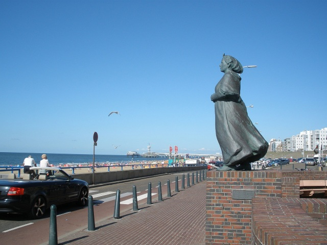 I waited here so long, that I turned to stone! via Wikimedia Commons