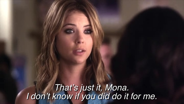 Hanna likes a girl who wears more plaid than Mona