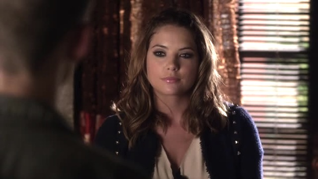 I would pay so much money for the ability to do my eye makeup like Hanna's.