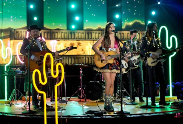 Kasey Musgraves is fighting slut shaming, body shaming, and heteronormativity in this quaint country setting