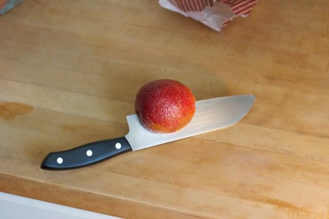 cutting-blood-orange-v-day