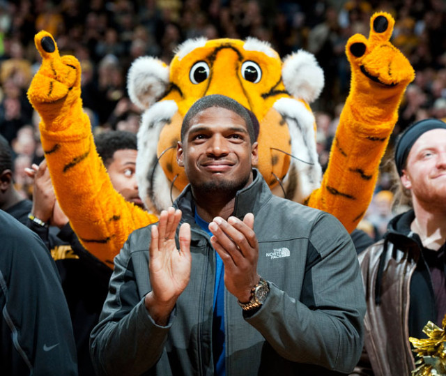 Michael Sam receiving a standing ovation at a recent Missouri basketball game via LGBTQNation