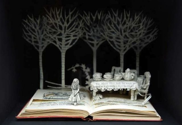 'Alice: A Mad Tea Party,' Su Blackwell, 2007. Deconstructed book in a box via Brain Pickings.