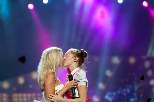 """Finland's Krista Siegfrids made out with a lady at the end of her song """"Marry Me"""" last year, which lots of us do every day but not all of us have the honour of being pulled from Turkish TV broadcasts for it via Wiwi Bloggs"""