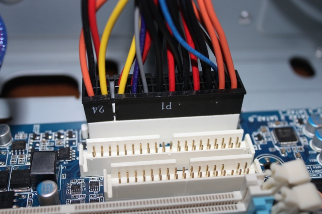 2-44_mobo_24_pin_inserted