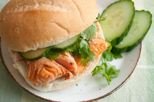 25_pbsalmonsandwich_plated
