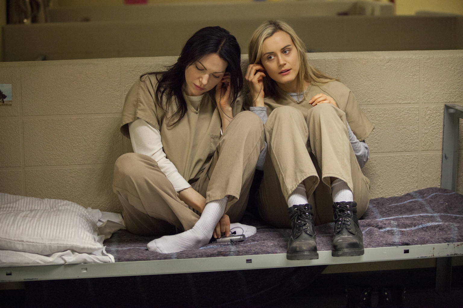 "Alex Vause & Piper Chapman in ""Orange is the New Black"""