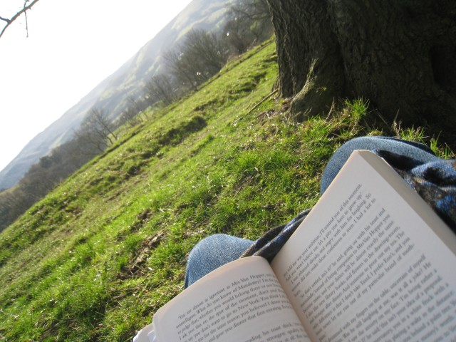I have always been of the opinion that the great outdoors is made especially great by the addition of reading and/or writing material.