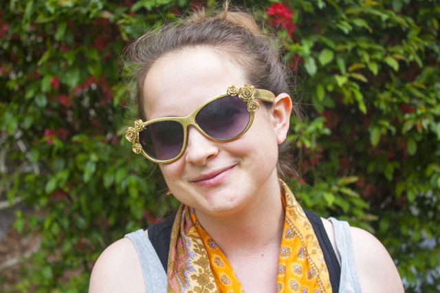 DIY Sparkly Flower Sunglasses by Autostraddle