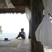 Meditation-Room-with-Grey-Rug-Theme