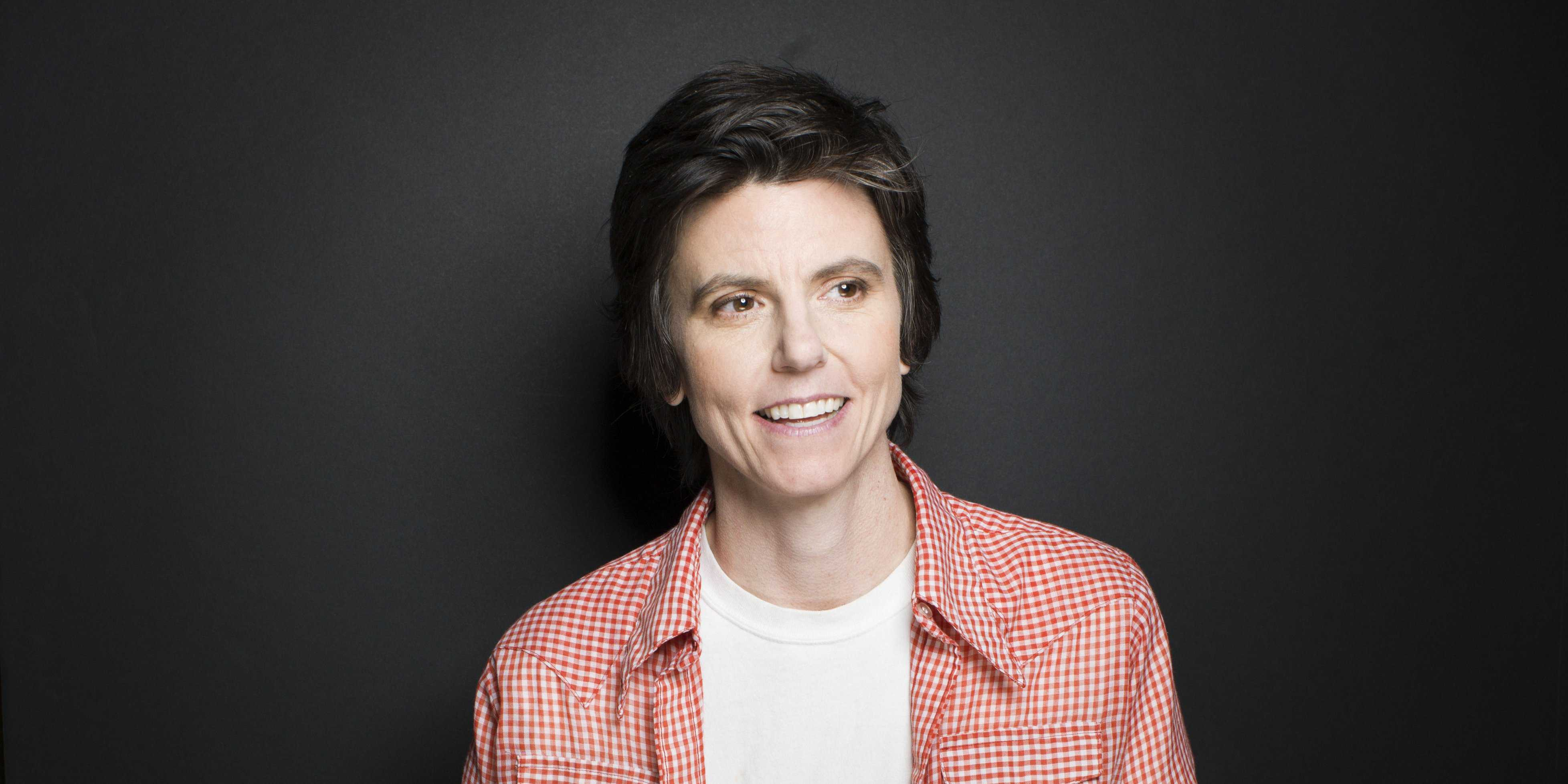 comedian-tig-notaro-shared-her-personal-tragedy-with-the-world-and-made-us-laugh