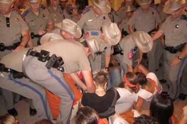 via Rise Up/Levanta Texas