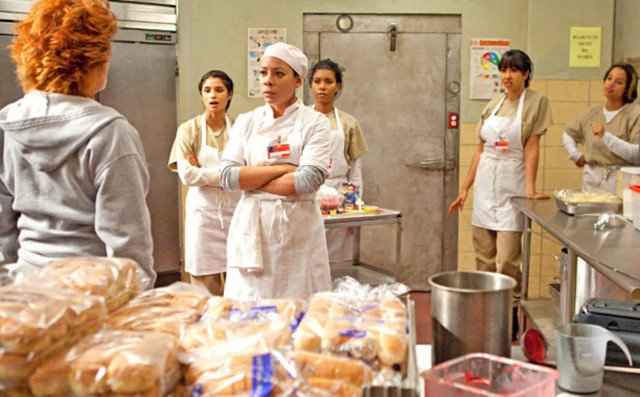 oitnb-season-2-epi-5-gloria-latinas-kitchen-main