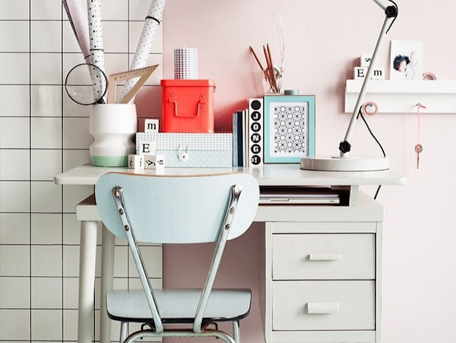 Is it just me or does this desk look unrealistically clean and well decorated? (Via The Desk Set)