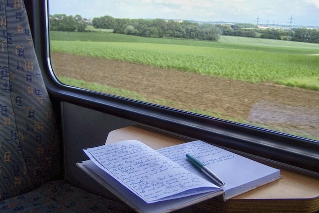 The person who took this picture must like writing in whilst in transit too! (Via Suite T)