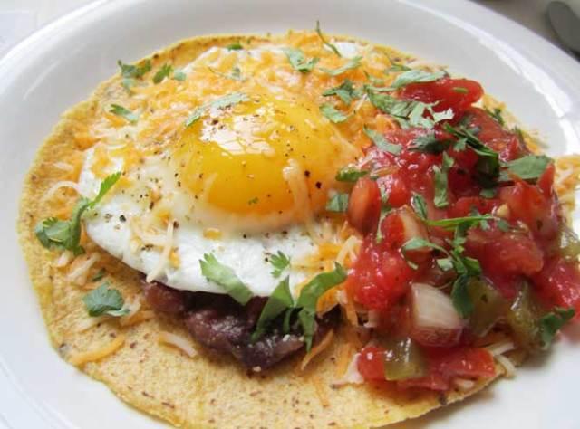 Huevos rancheros Via nutritiouslife.com