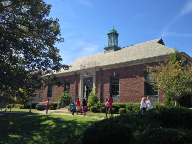 Public Library - Pleasant Ridge Branch