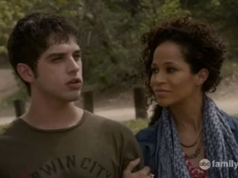 Brandon tells Lena what happened and she believes him and takes steps to protect him. Well done, Fosters, well done. (via The Fosters)