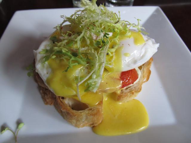 taverna750_eggs benedict (1)