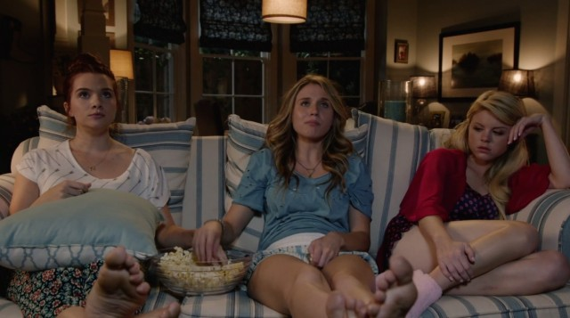 three-girls-one-couch