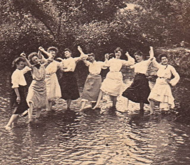 Victorian women were still pretty fuckin' cool, though.