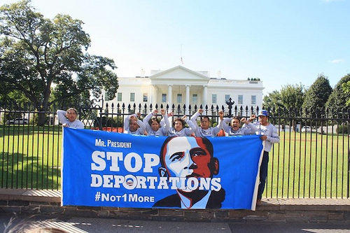 #Not1More activists handcuff themselves to the White House in 2013 to demand an end to deportations. via #Not1More