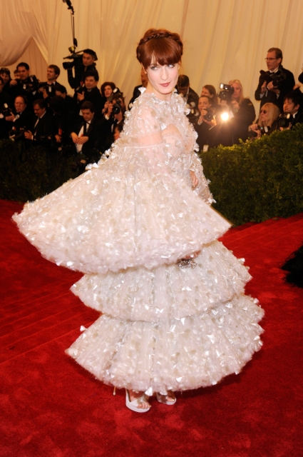 nye outfits florence welch met gala 2012 alex mcqueen