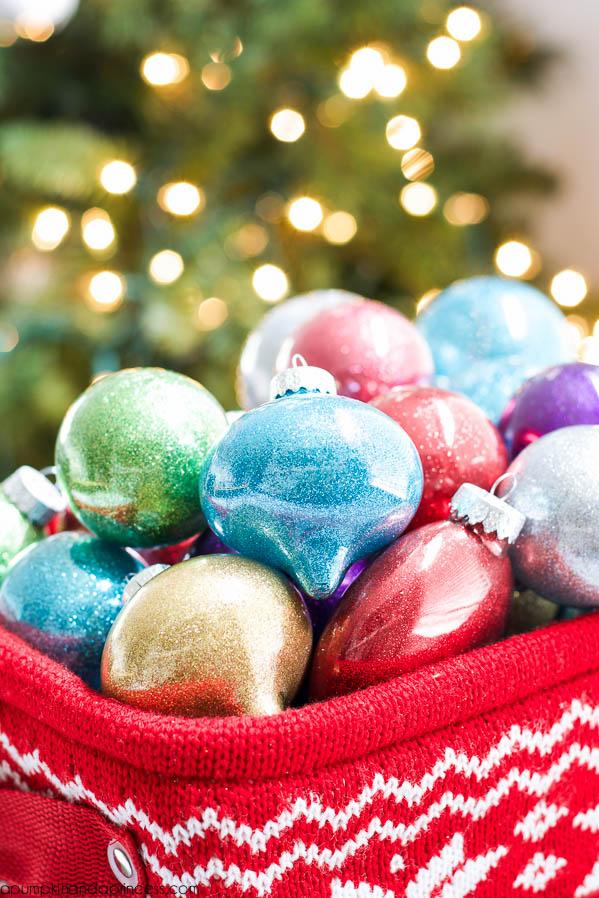 DIY-Glitter-Ornaments-Best-Glittering-Glue