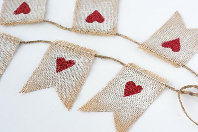 Burlap-Valentines-Craft