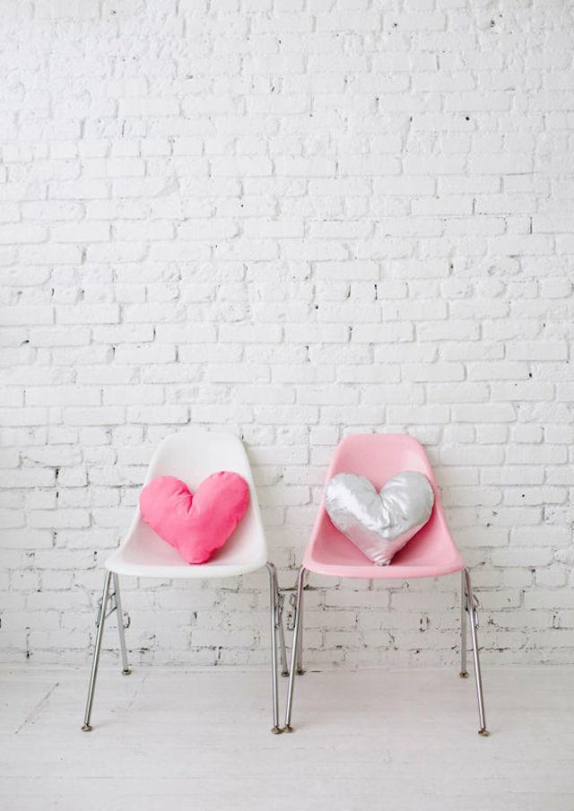 DIY-heartpillow-designlovefest13