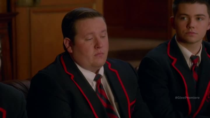 Ugh why does this guy who looks like Kurt always sit next to me, he smells like Doritos