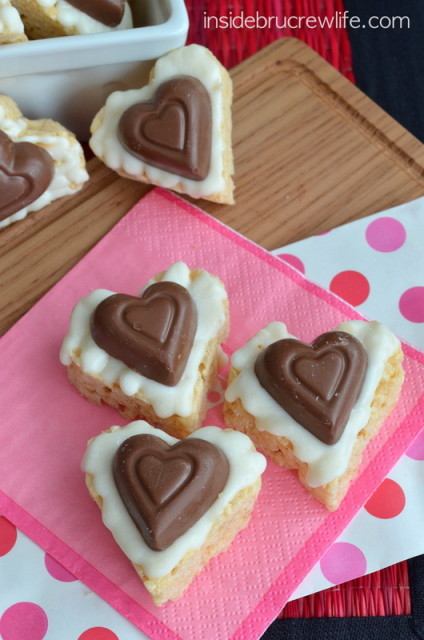 White-Chocolate-Reeses-Krispie-Hearts-2