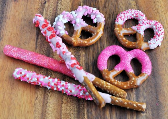 45 Valentines Day Snacks Desserts And Drinks For Your