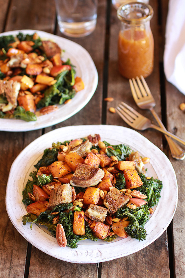 Crispy-Kale-Roasted-Autumn-Salad-with-Brie-Grilled-Cheese-Croutons-10
