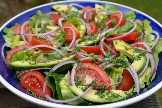 Easy-lettuce-salad-with-cilantro-lime-dressing