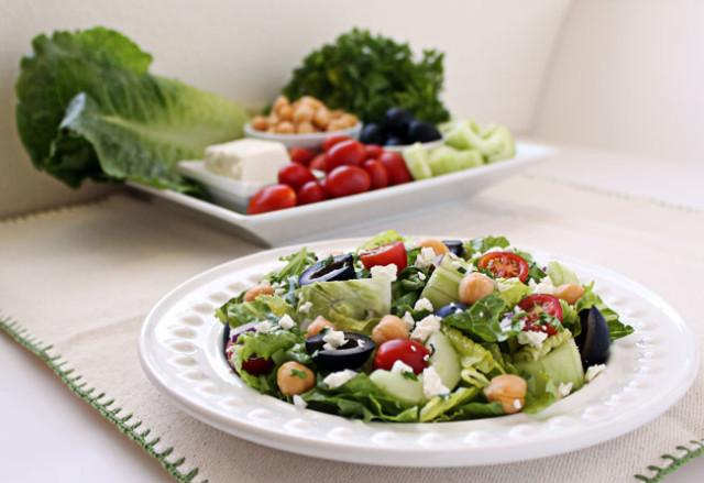 Mediterranean-Chopped-Salad-11