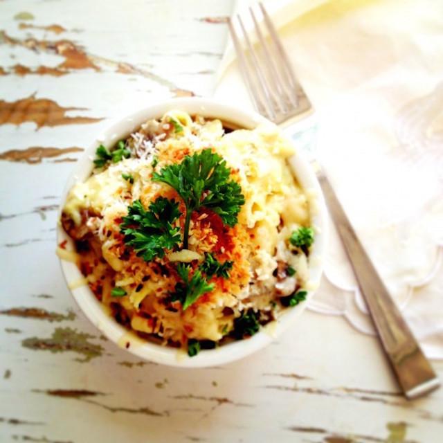 artichoke-and-mushroom-mac-and-cheese