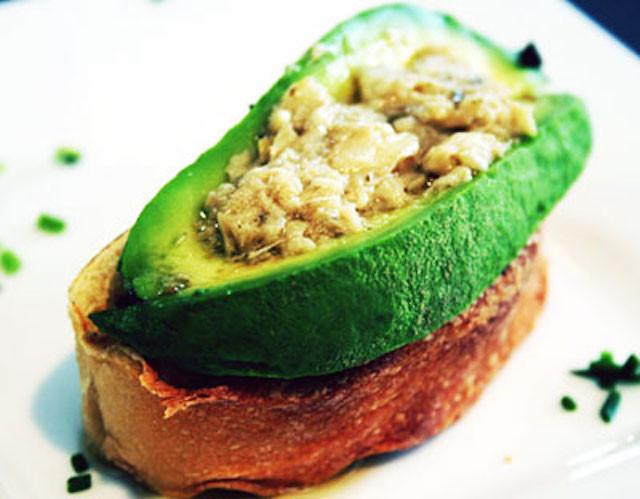 avocado-bruschetta-with-artichoke-and-truffle-tapenade