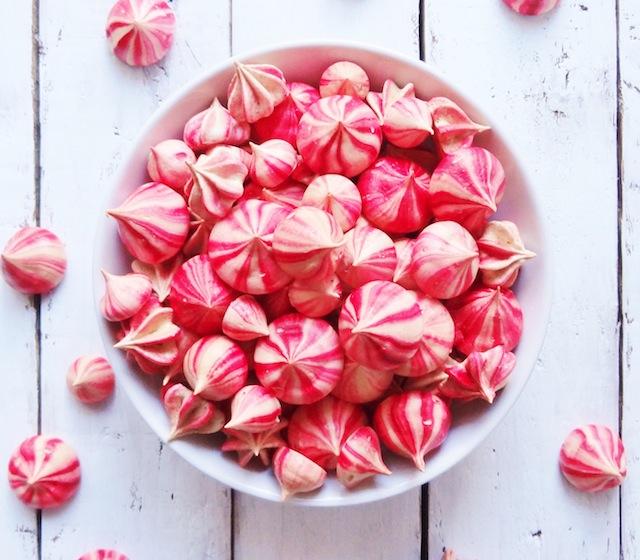 raspberry-meringues