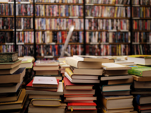 via prettybooks.tumblr.com