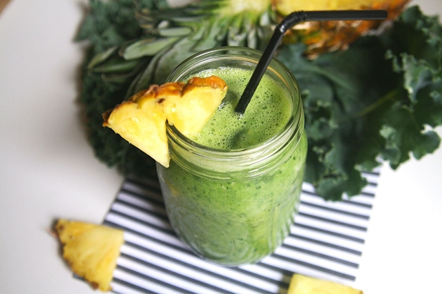 Healing-Recipes-Alzheimers-Disease-Kale-and-Pineapple-Smoothie-The-Leaf-Online