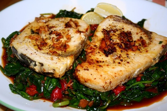 Healing-Recipes-Menstruation-Medicated-Tuna-Steaks-with-Sauteed-Spinach-The-Leaf-Online
