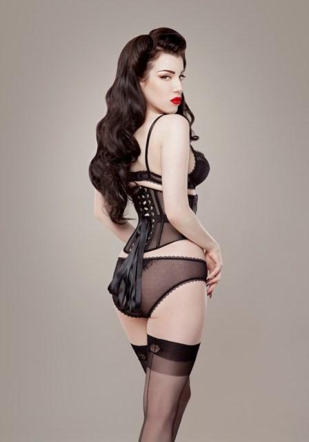 ava corsetry (via the lingerie addict)