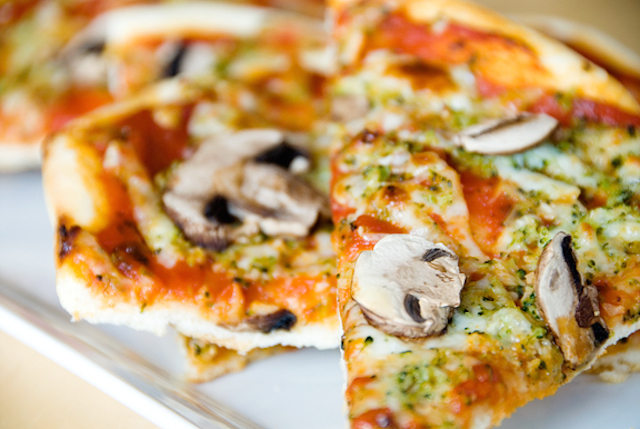 thin-crust-pizza2