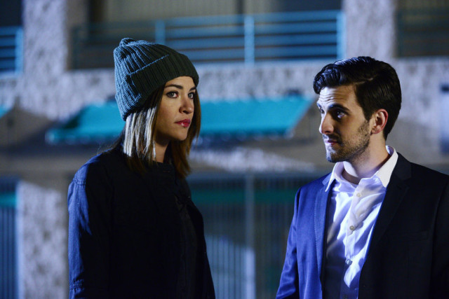 """COMPLICATIONS -- """"Fever"""" Episode 106 -- Pictured: (l-r) Jessica Szohr as Gretchen Polk, Matt Angel as Wes -- (Photo by: Guy D'Alema/USA Network)"""