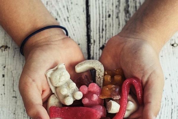 homemade-gummy-bears-with-no-added-sugar